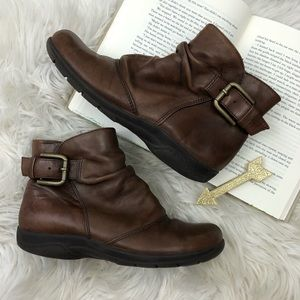 Clarks Ankle Boots 5.5M Brown Leather Zip Comfort
